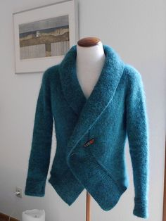 Result of my testknitt for Anke: the cosiest jacket I've ever knitted.  My inspiration for the selection of the yarn: During my holidays in Canada last year, I wrote my first I-Diary. I was r...