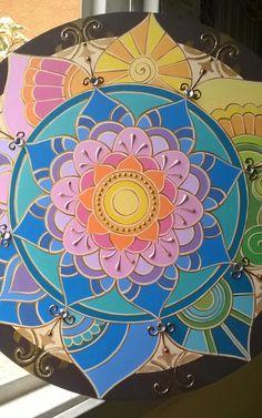 See more ideas about mandalas em mdf, quadro mandala and pintura de mandala Mandala Art, Indian Mandala, Mandala Drawing, Mandala Painting, Dot Painting, Mandala Design, Fabric Painting, Cd Crafts, Arts And Crafts