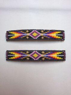 Brillante lungo 4 x barrettes. Native Beading Patterns, Seed Bead Patterns, Native Beadwork, Native American Beadwork, Beaded Bracelet Patterns, Seed Bead Earrings, Beaded Earrings, Beaded Bracelets, Bead Weaving