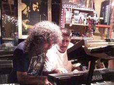 Ensayando con el musico Rockero Javier Batiz en Agosto del 2012.
