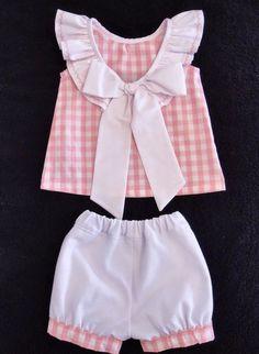 Baby Girl Dress Patterns, Little Girl Dresses, Baby Dress, Girls Dresses, Sewing Kids Clothes, Sewing For Kids, Doll Clothes, Baby Girl Fashion, Kids Fashion