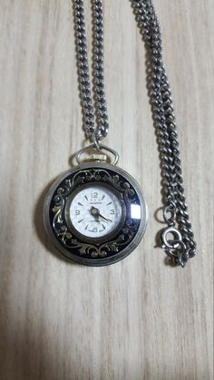 Check out this item in my Etsy shop https://www.etsy.com/listing/467663776/waldman-vintage-necklace-watch-movement