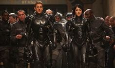 'Pacific Rim' Movie Review - Charlie Day and Charlie Hunnam | Movie Reviews Site