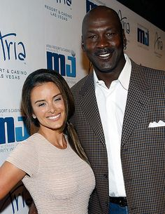 Michael Jordan Marries Longtime Girlfriend
