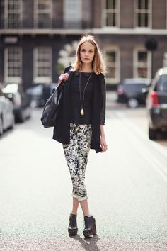<3 <3 <3 the top, jacket, necklace, and printed pants!| StockholmStreetStyle