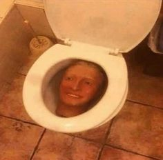 from the story [MEMES] CURSED IMAGES by VerduraCaliente (Mesmeriza) with reads. Stupid Funny Memes, Haha Funny, Funny Stuff, Reaction Pictures, Funny Pictures, Just In Case, Just For You, Image Memes, Quality Memes