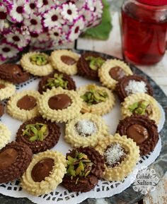 Chocolate Bird Nest Cookie – Famous Last Words Easy Cake Recipes, Baking Recipes, Cookie Recipes, Mini Desserts, Delicious Desserts, Biscuit Bar, Cheesecake Brownies, Turkish Recipes, Easy Healthy Breakfast