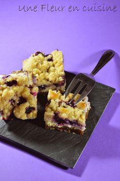 Une Fleur en cuisine: Des barres de cheesecake myrtilles ou framboises et crumble!