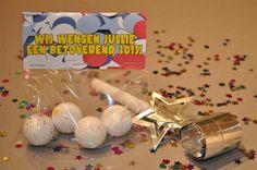 """nieuwjaars """"kaart"""" een botoverend jaar met toverballen"""