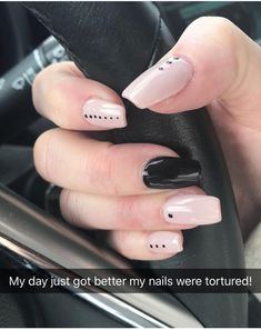 Pin by Jessica Tillman on Nails in 2019 Shellac Nails, Nude Nails, Diy Nails, Neutral Nails, Black Nails, Nagellack Design, Nagellack Trends, Perfect Nails, Gorgeous Nails