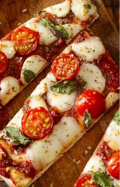 """The Three Pizza Recipes All Italians Swear By. Even in Italy, not all pizzas are alike. There's the kind """"al taglio""""—cut into squares—that are usually a little thick. This pizza is made by putting the. Steak Recipes, Pizza Recipes, Cooking Recipes, Healthy Recipes, Italian Dishes, Italian Recipes, Italian Foods, Omaha Steaks, Vegetable Pizza"""