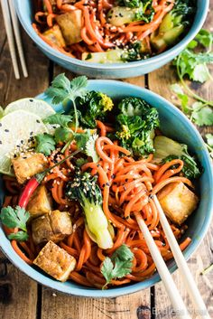 SESAME GINGER CARROT NOODLE STIR FRY WITH BOK CHOY AND CRISPY Mein Blog: Alles rund um die Themen Genuss & Geschmack Kochen Backen Braten Vorspeisen Hauptgerichte und Desserts