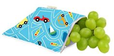 Gorgeous, versatile and eco friendly Transportation reusable mini snack bags by Itzy Ritzy!  Itzy Ritzy Snack Happens snack bags are reusable, machine washable bags for snacks, sandwiches and so much more!    #backtoschool #ecofriendly #school #lunch #food #picnic #kidstore #kids #littlebooteekau
