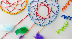 Pipe Cleaner Dream Catchers for kids #crafts #craftsforkids #dreamcatcher