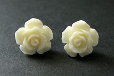 Ivory Flower Earrings. Ivory Earrings. Gardenia Flower Earrings. Silver Stud Earrings. Ivory Rose Earrings. Handmade Jewelry. by StumblingOnSainthood from Stumbling On Sainthood. Find it now at http://ift.tt/1RVwoS2!