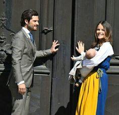 Prince Carl-Phillip, Princess Sofia & Prince Alexander Opening The Palace Doors.
