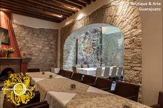 Calidez y confort en el centro Hotel Boutique con amor al arte Alonso 10, Centro  Tel: 4737327657 hotelalonso10@yahoo.com.mx www.hotelalonso10.com #GuanajuatoesunTesoro