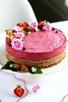 Mustaherukka-suklaajuustokakku, maidoton, gluteeniton ja munaton - Suklaapossu No Bake Cake, Cake Decorating, Decorating Ideas, Cheesecake, Cooking, Desserts, Food, Pies, Bakken