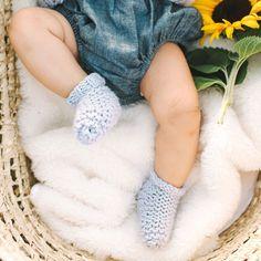 PDF Knitting Pattern: Mini Slumber Socks | Stitch & Story - Stitch & Story UK Knitting Kits, Knitting Patterns, Online Tutorials, Video Tutorials, Bamboo Knitting Needles, Baby Socks, Garter Stitch, Baby Shower Gifts, Baby Kids