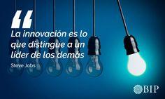 """Frase célebre de Steve Jobs: """"La innovación es lo que distingue a un líder de los demás"""". Steve Jobs, Famous Taglines, Motivational Quotes, Finance"""