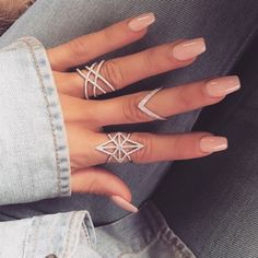 French manicure ⭐️ classic More Source by summer nails ideas + 2 ideas for summer pedicure. Selection of nude nails, colorful nails as well as marble nails. Do It Yourself Nails, How To Do Nails, Hair And Nails, My Nails, Glitter Nails, Pink Nails, White Nails, Silver Glitter, Nude Sparkly Nails