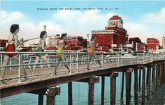 Vintage Atlantic City, New Jersey postcard (linen) (unused)  *Fishing from the Steel Pier*