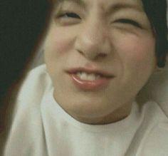 Seni yeeler ve kookie BTS Jeon Jungkook Bangtan boys Sonyeodan Jungkook Lindo, Jungkook Oppa, Foto Jungkook, Taehyung, Jungkook Smile, Busan, Foto Bts, Bts Photo, Jikook