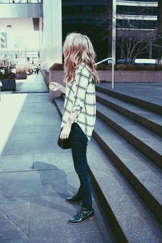 Black and white plaid shirt, skinny jeans and ankle boots Looks Street Style, Looks Style, Style Me, Fall Outfits, Casual Outfits, Cute Outfits, Mode Pop, Alternative Rock, Estilo Rock