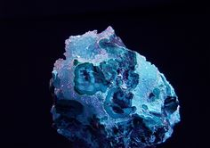 Druze Quartz over Chrysocolla and trace Malachite