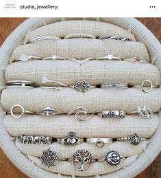 Teen Jewelry, Hand Jewelry, Stylish Jewelry, Simple Jewelry, Cute Jewelry, Jewelry Accessories, Fashion Accessories, Fashion Jewelry, Fancy Jewellery