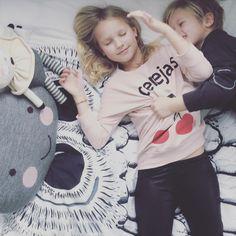 | cheyanne @cheyannerudmik | mom of four | kids play, interior and fashion shop | yyc | canadian | worldwide shipping |hello@communityfolk.com |