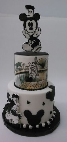 1000 Ideas About Mickey Cakes On Pinterest Mickey Mouse