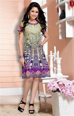Long #straightkurti with #keyholeneckline #sleeveless to wear on palazzo #longkurti #designersandyou #Longkurti