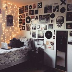 New bedroom vintage hipster dream rooms 31 ideas Room Decor For Teen Girls, Teen Girl Rooms, Girl Bedrooms, Teenage Bedrooms, Bedroom Wall Ideas For Teens, Bedroom Ideas For Teen Girls Tumblr, Teen Wall Decor, Music Wall Decor, Teenage Room