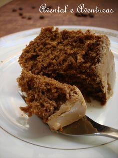 Uma fatia de bolo e uma xícara de chá! Esta é, para mim, a combinação perfeita para uma tarde de chuva. Aproveitando que os último...