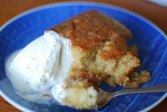Malva pudding – an amazing South African dessert - MaryBeth Carr - African Food Easy No Bake Desserts, Just Desserts, Dessert Recipes, Cake Recipes, Sweet Recipes, Baking Recipes, Delicious Desserts, South African Desserts, South African Recipes