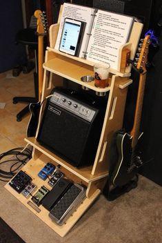 Guitar Storage, Guitar Display, Guitar Rack, Home Studio Setup, Music Studio Room, Recording Studio Home, Guitar Amp Stand, Home Music Rooms, Minimal House Design