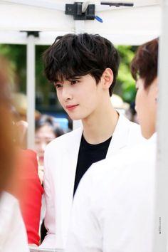 Cha Eun Woo, Cute Asian Guys, Cute Korean Boys, Asian Actors, Korean Actors, Korean Celebrities, Celebs, Cha Eunwoo Astro, Lee Dong Min