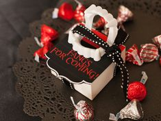 Teen Twilight Halloween Party (Vampires VS Werewolves) // Hostess with the Mostess®Favors