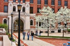 Moody Bible Institute Campus | Moody Bible Institute - Chicago Campus - Plaza in Spring