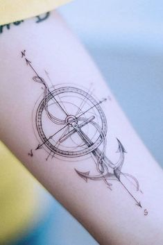 18 Amazing and Unforgettable Arrow Tattoo Designs - Compass Arrow . - 18 amazing and unforgettable arrow tattoo designs – compass arrow tattoo design with anchor - Feminine Compass Tattoo, Nautical Compass Tattoo, Arrow Compass Tattoo, Simple Compass Tattoo, Arrow Tattoo Arm, Simple Anchor Tattoo, Feather Arrow Tattoo, Anchor Tattoo Design, Compass Tattoo Design