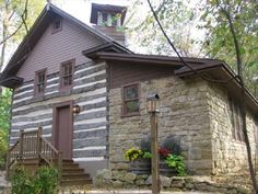 Luxury 1800's Log and Stone House in Wisc... - VRBO