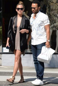 Chrissy Teigen wearing Givenchy Deconstructed Tuxedo Jacket, Valentino Rockstud Sandals, Givenchy Oversized Square Sunglasses and Saint Laurent Betty Bag Chrissy Teigen Style, Chrissy Teigen John Legend, Beverly Hills, Valentino Rockstud Sandals, Valentino Shoes, Parisian Chic Style, Couple Outfits, Fashion Seasons, Summer Outfits Women