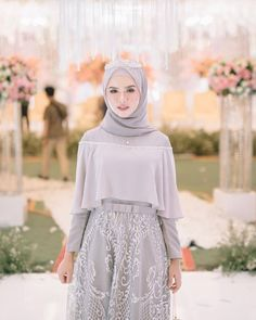 Hijab Evening Dress, Hijab Dress Party, Hijab Style Dress, Casual Hijab Outfit, Modern Hijab Fashion, Muslim Women Fashion, Batik Fashion, Kebaya Modern Hijab, Dress Muslim Modern
