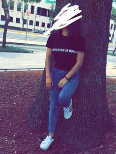 Snapchat Picture, Instagram And Snapchat, Superenge Jeans, Girls Foto, Pinterest Girls, Girls Dp Stylish, Fake Photo, Cute Girl Poses, Girly Pictures
