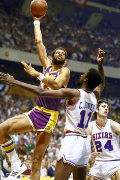 "Kareem Abdul-Jabbar | Starting center  Nobody did it better for longer. What's ""it?"" Scoring, rebounding, defending and passing, all of which A-J was doing until he was 42 years old. His consistency is what earns him the start over the other great Lakers centers."