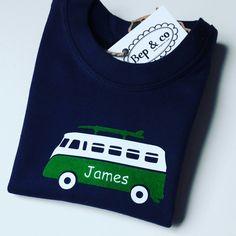 Babyshirt James #babygift #kraamkado #kraamkcadeau #kadometnaam #sustainable #duurzaam#slowfashion #fairtrade van www.bepenco.com