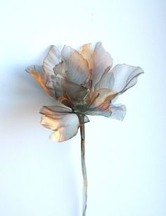 Botanicals - Michelle McKinney works with hand cut translucent woven stainless steel, copper and brass to create wall sculptures and framed pieces Alcohol Ink Painting, Alcohol Ink Art, Fabric Flowers, Paper Flowers, Foto Art, Handmade Flowers, Fiber Art, Beautiful Flowers, Artwork