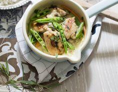 Få opskriften på en nem og velsmagende gryderet med kylling og grøntsager! En dejlig aftensmad, som også er god i madpakken dagen efter, hvis du kan varme den!