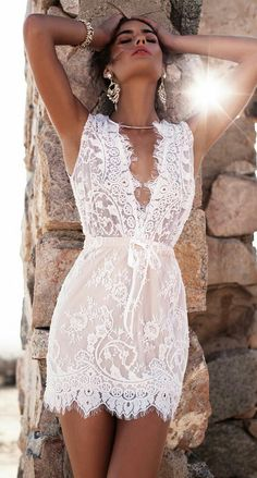 Lace dress in white - the absolute summer trend!- Spitzenkleid in Weiß – der absolute Sommer-Trend! Short Lace Dress, Short Dresses, Summer Dresses, Dress Lace, Mini Dresses, Summer Outfits, Sexy Dresses, Sleeveless Dresses, Vacation Dresses